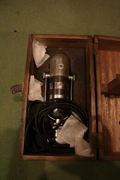キング・オブ・リボンマイク!! RCA社の77DX。