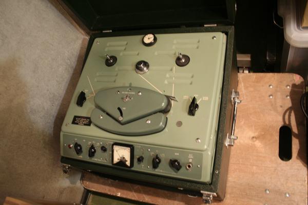 1950年代のEMI社の真空管レコーダー、TR52。アビーロード・スタジオに設置されていたあのBTRシリーズのコンパクト・バージョン。