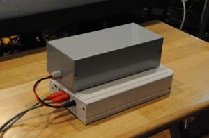 これがチャプターハウスの秘密兵器、特注の電源ボックス!