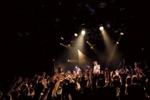 Live_01